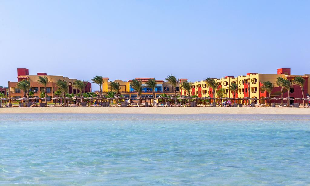 4 أيام Royal Tulip Beach Resort